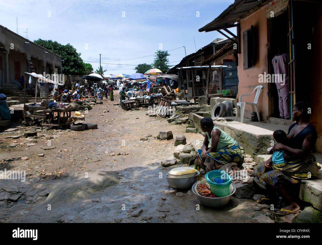 Market scenes in Kara, Togo. - Stock Image