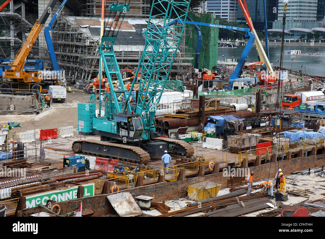 August 21, 2010, Marina Bay, Singapore: Construction work in progress in the city center. - Stock Image