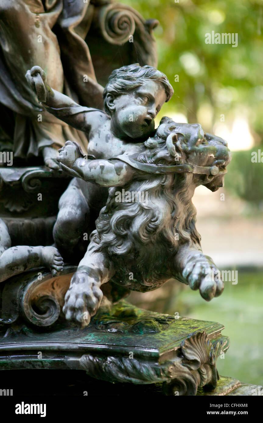 angel Aranjuez Madrid Spain monument decoration bronza metal garden ...