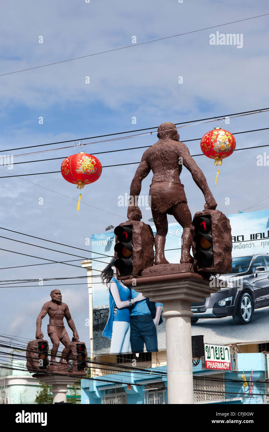 Thai humour: Neanderthalian traffic lights in Krabi (Thailand).  Humour Thaï: feux de croisement Néanderthaliens, - Stock Image