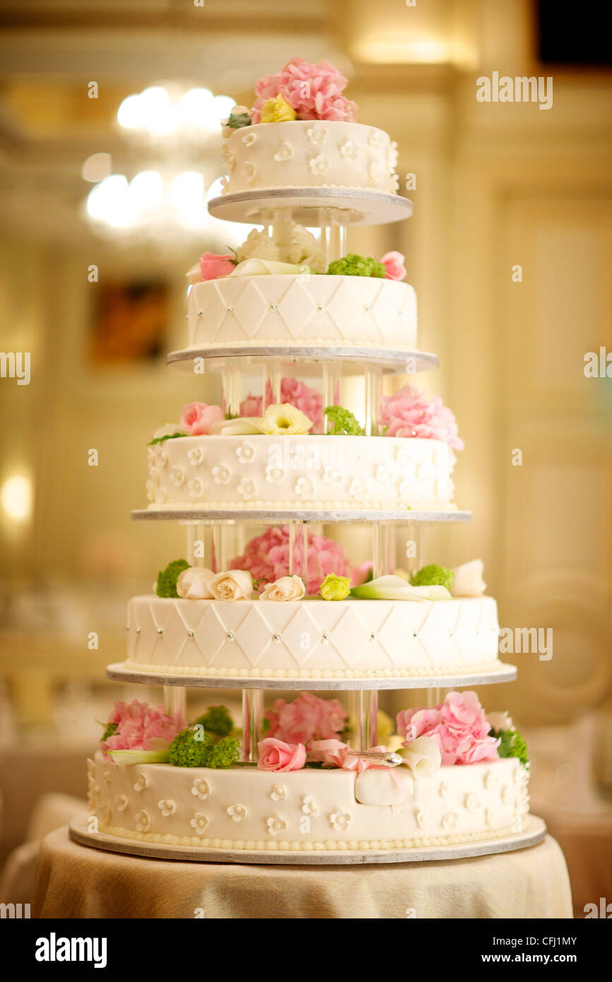 Expensive Cake Stock Photos & Expensive Cake Stock Images - Alamy