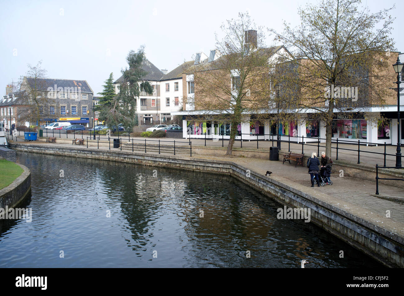 Thetford Town Center Shopping precinct with the River Thet running through it - Stock Image
