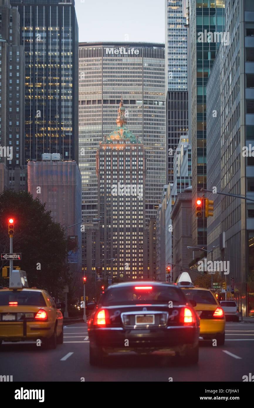 Cars on Park Avenue, New York, USA - Stock Image