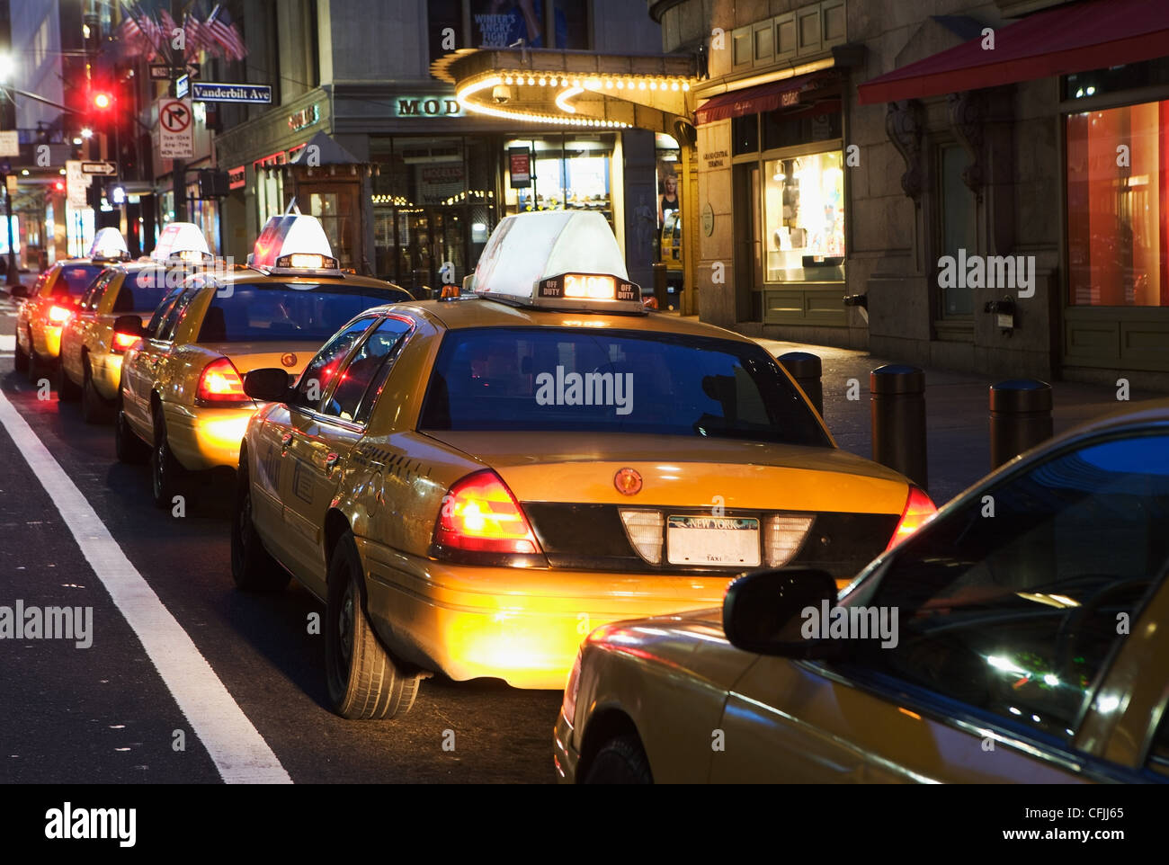 Queue of taxi cabs in New York City, USA - Stock Image