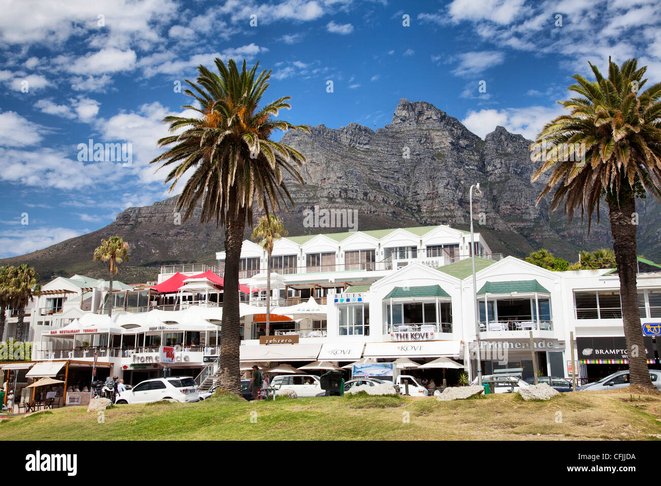 Restaurants And Cafes On Camps Bay Beach Promenade Stock
