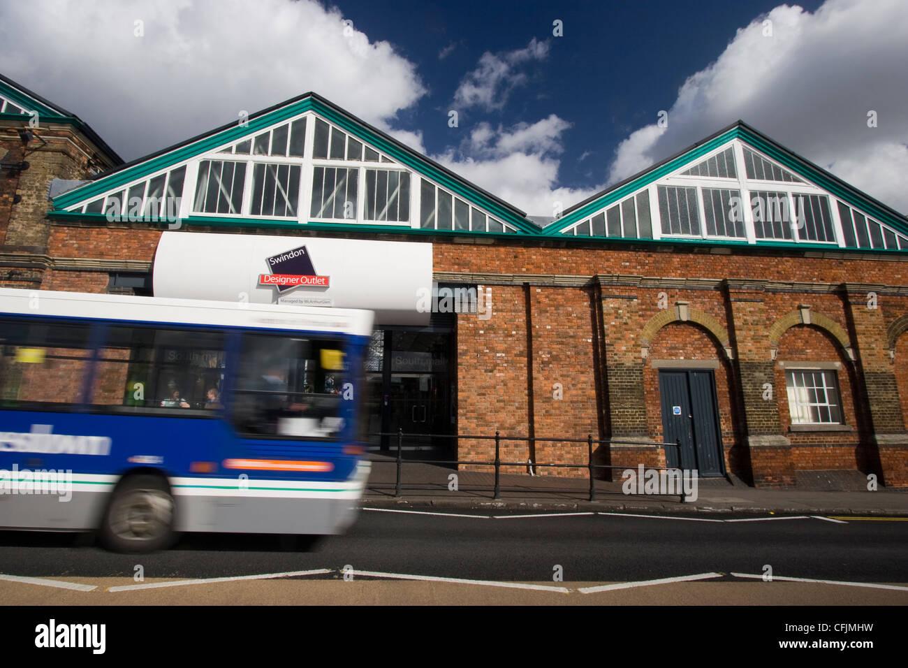 5c2b2121e8 The McArthurGlen Designer Outlet Village shopping centre in the old Swindon  GWR railworks - Stock Image