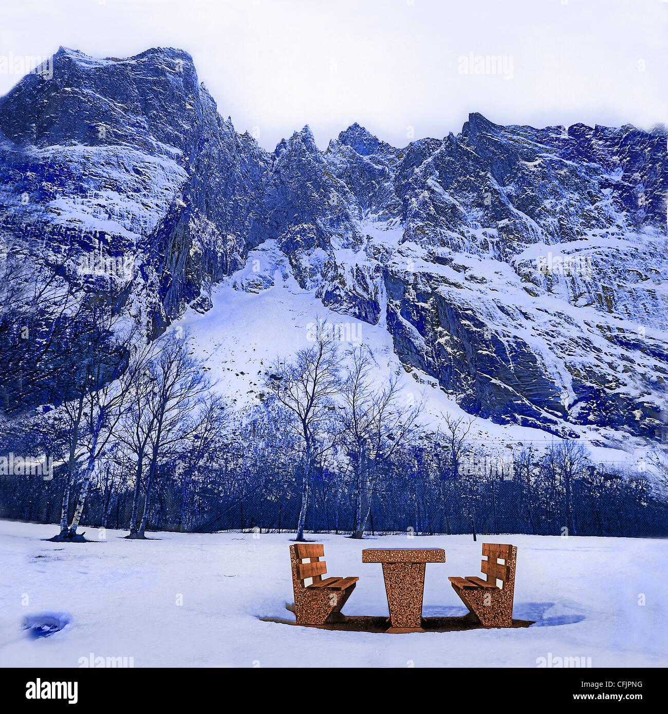 Road-side resting place under the Trolltindane peaks, Romsdalen, Norway - Stock Image