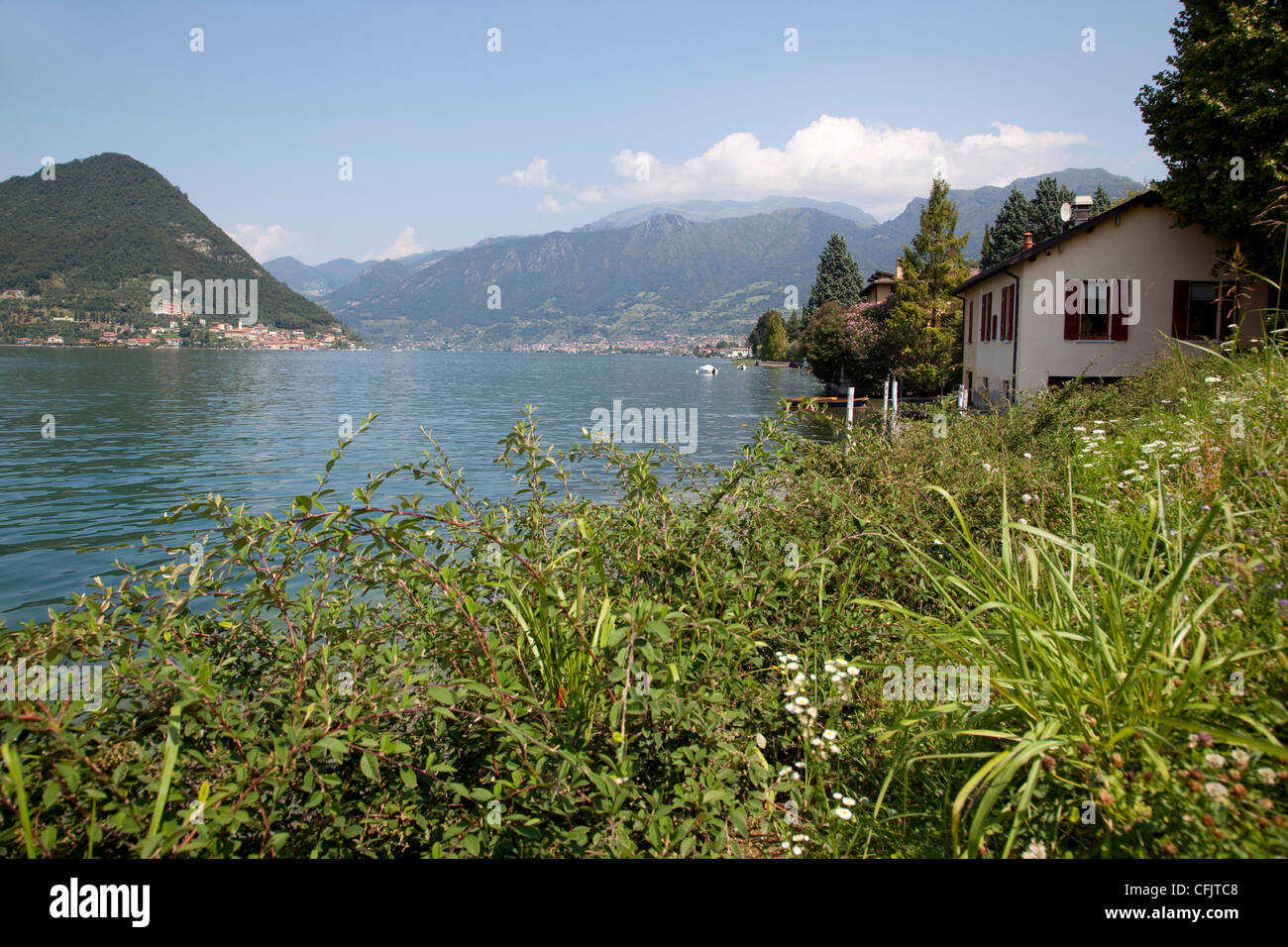 Lakeside near Sulzano, Lake Iseo, Lombardy, Italian Lakes, Italy, Europe - Stock Image