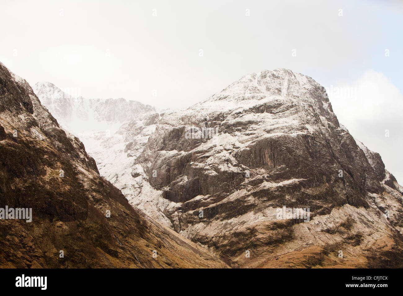 Fresh snow on Bidean nam Bian, the highest peak in Argyl, Glen Coe, Scotland, UK. - Stock Image