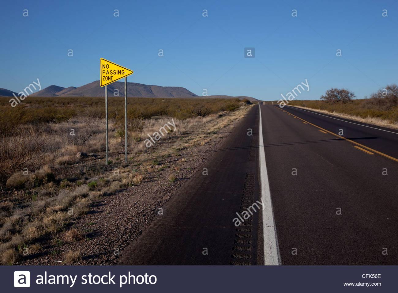 Highway Sign NO PASSING ZONE Arizona - Stock Image