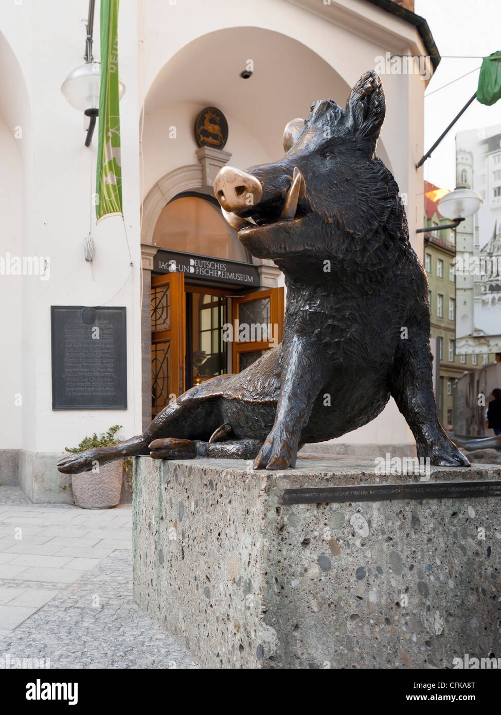 Boar statue in front of the hunting and fishing museum ('Jagd und Fischereimuseum') in Munich, Bavaria, - Stock Image