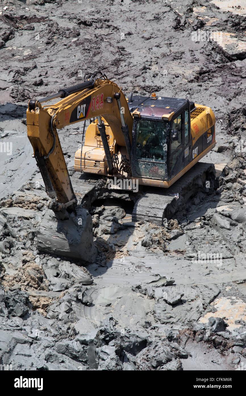 Mechanical Excavator Stock Photos & Mechanical Excavator