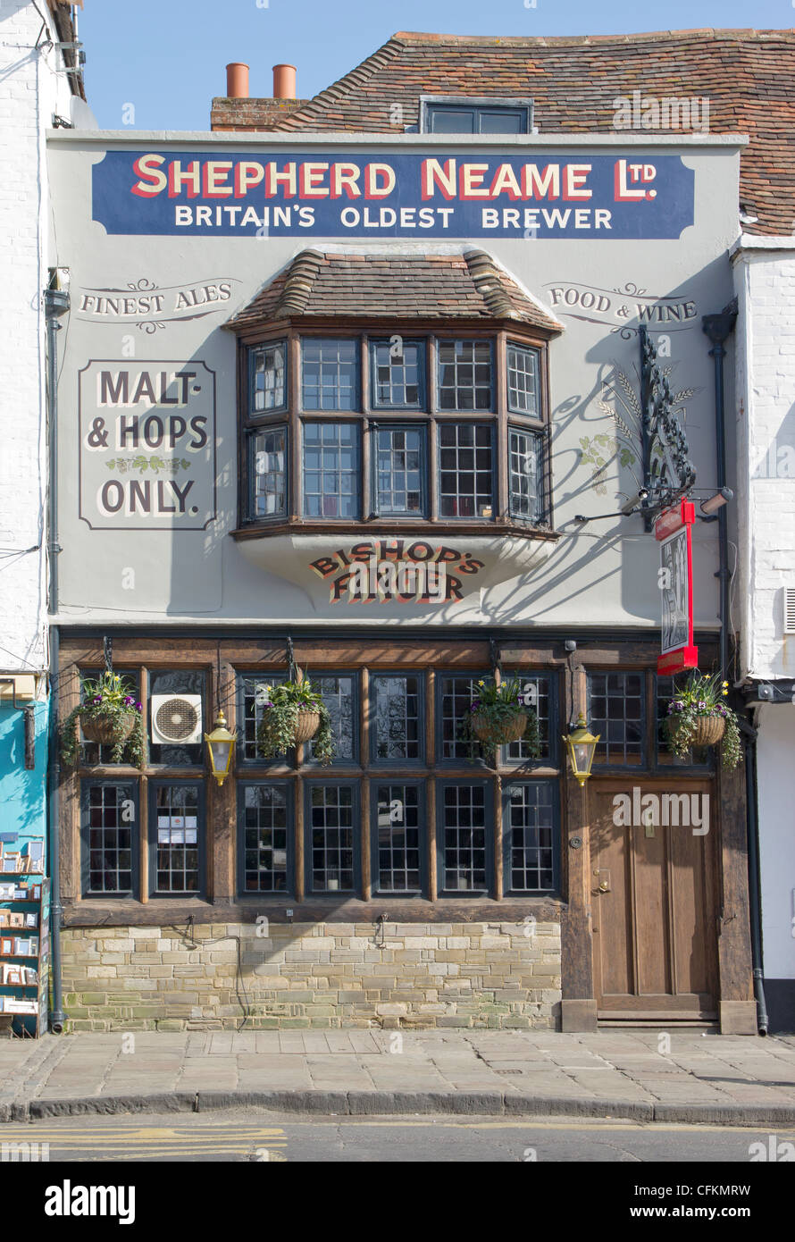 Shepherd Neame Pub, Bishops Finger, St Dunstans Street Canterbury Kent  Beer real ale wine pub food drinks alcohol - Stock Image