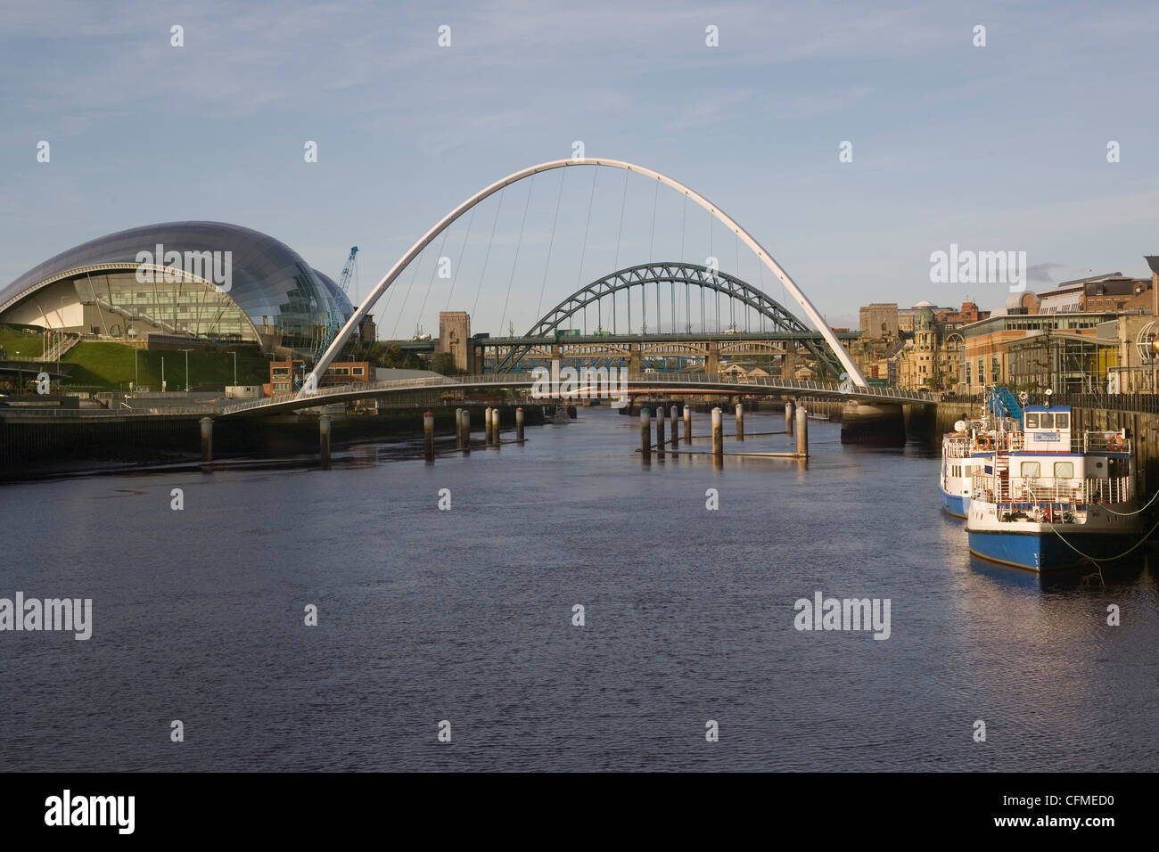River Tyne with bridges and Sage Hall, Newcastle/Gateshead, Tyne and Wear, England, United Kingdom, Europe - Stock Image