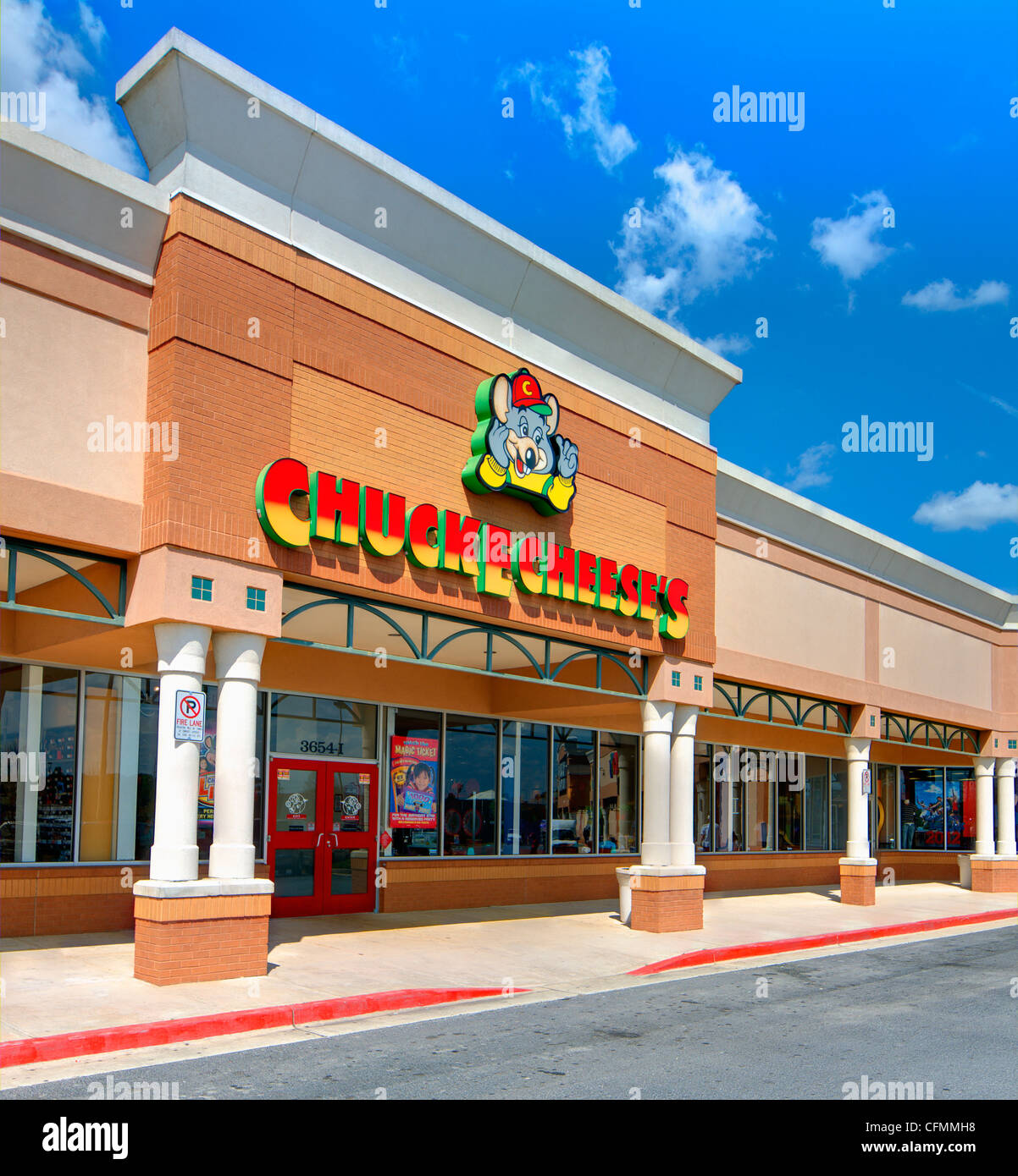 Chuck E. Cheese's is a well-established American family restaurant and arcade with over 500 locations. - Stock Image
