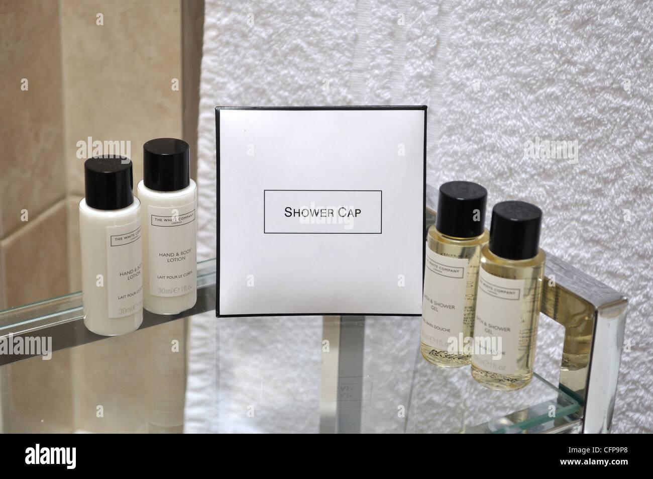 Shower cap bathroom toiletries - Stock Image
