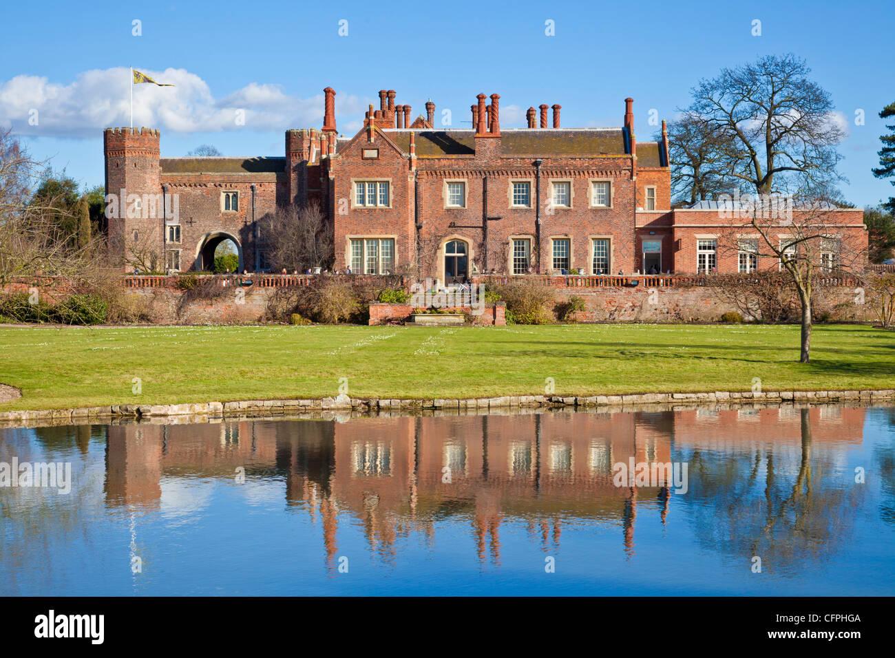 Victorian house, garden and lake at Hodsock Priory, Blyth, near Worksop Nottinghamshire, England, GB, UK, EU, Europe - Stock Image