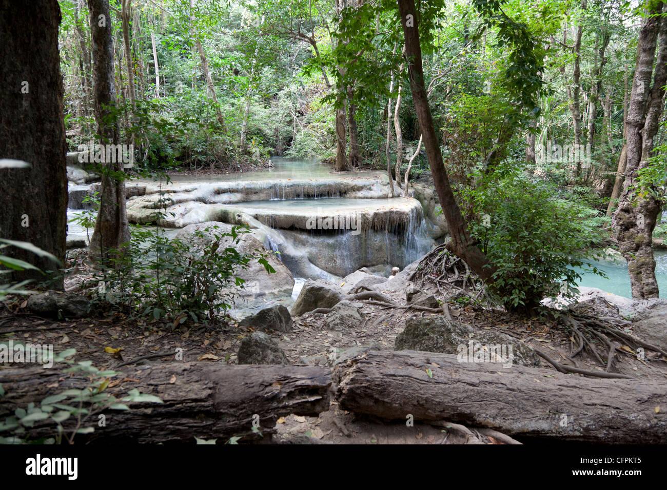 After the rainy season, the tiered Erawan waterfall (Kanchanaburi-Thailand). La cascade à rebonds d'Erawan - Stock Image