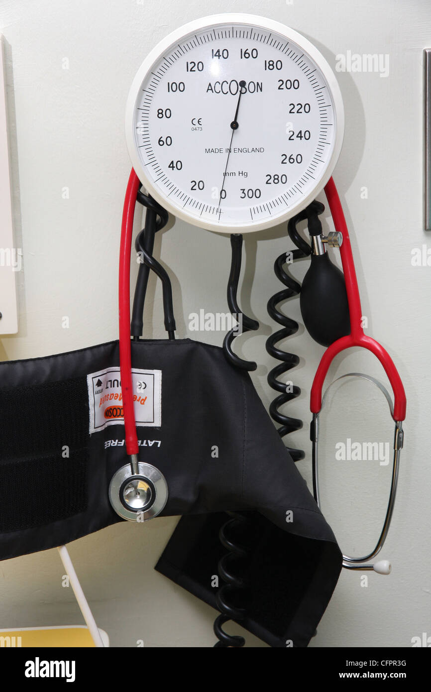 A blood pressure machine and stethoscope in a British delivery suite. - Stock Image