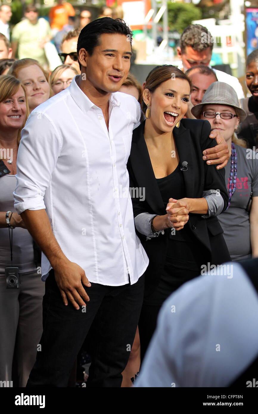 Mario Lopez dating Eva Longoria