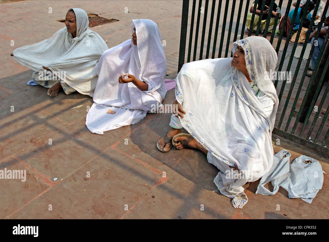 Mendigas. Nueva Delhi. India. Stock Photo