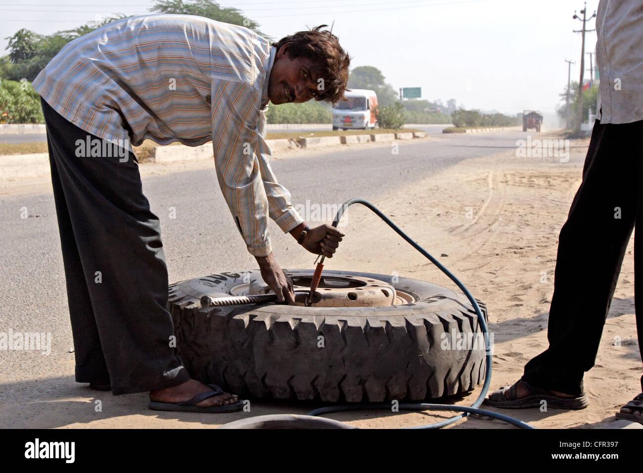 Percance en la carretera. Rajasthan. India. Stock Photo