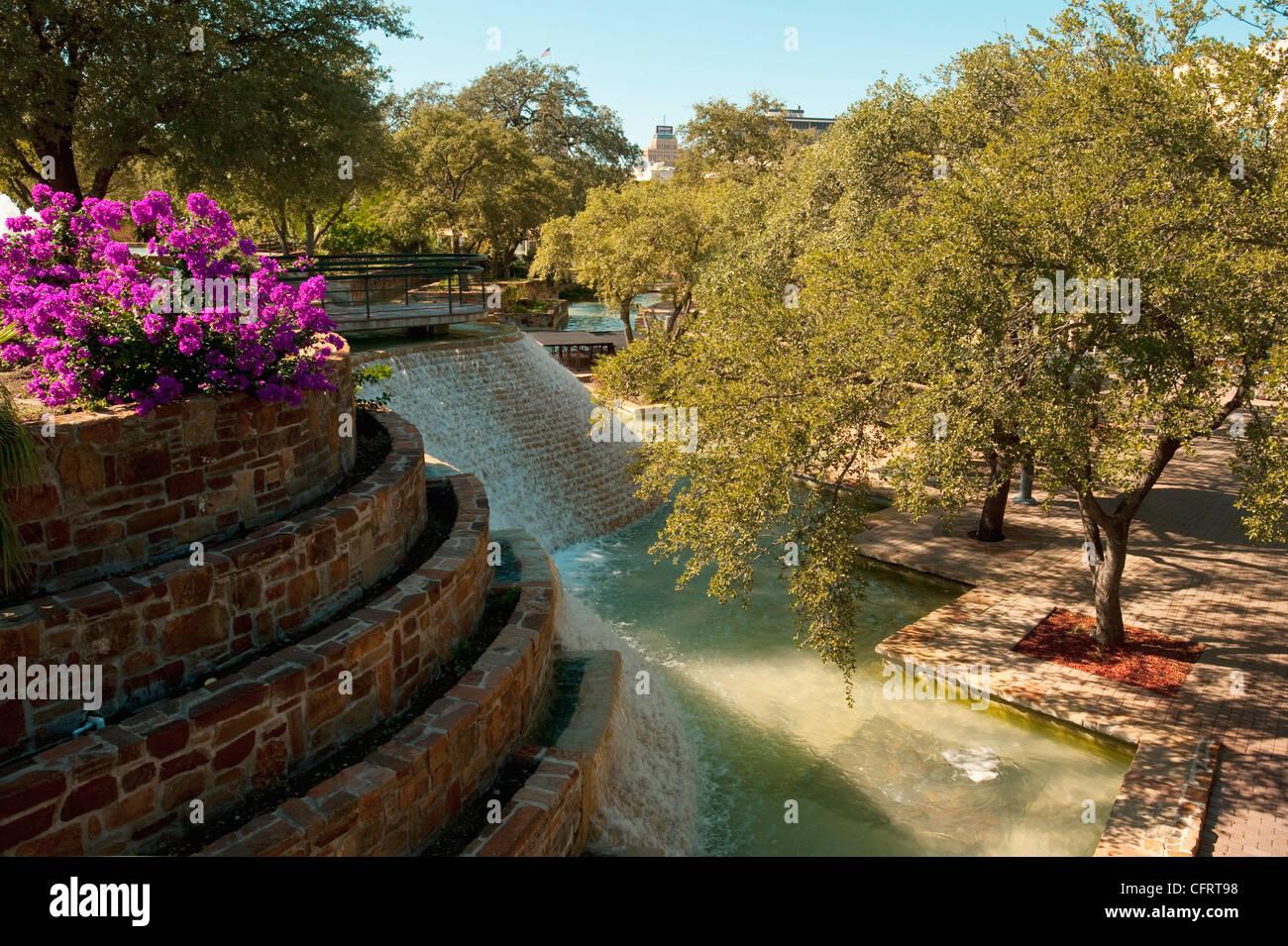 Usa Texas San Antonio Hemisfair Park Stone Waterfall Garden