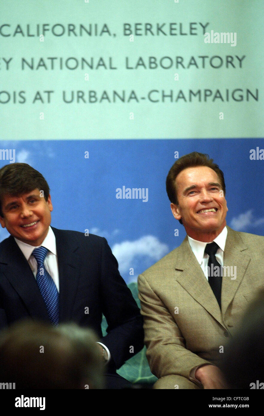 Joining in a multi-million dollar announcement are Illinois Governor Rod Blagojevich and Calif. Governor Arnold Stock Photo