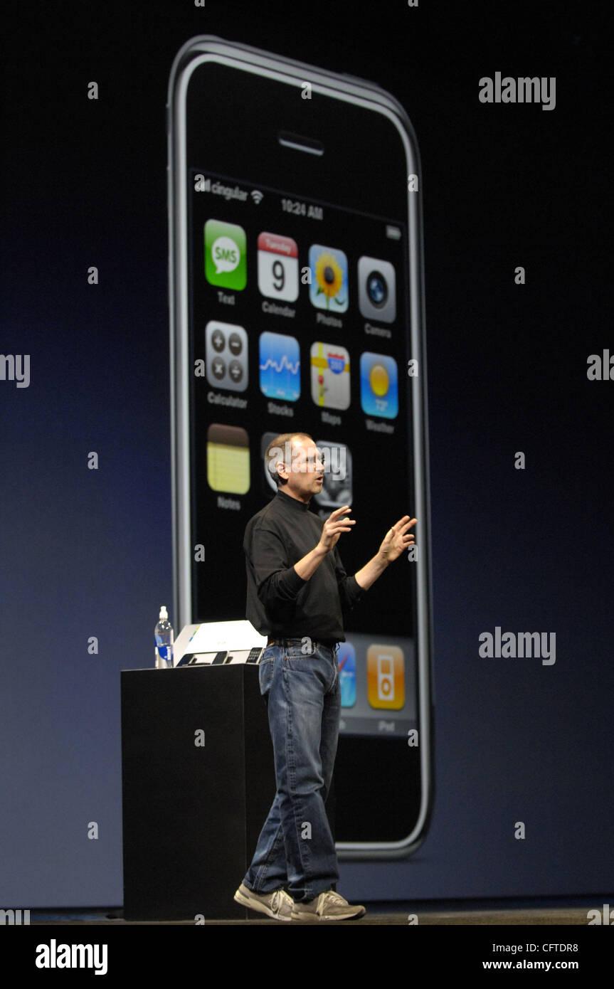 Jan 09, 2007 - San Francisco, CA, USA - Apple Computer Inc. Chief Executive Officer STEVE JOBS introduces the iPhone, - Stock Image