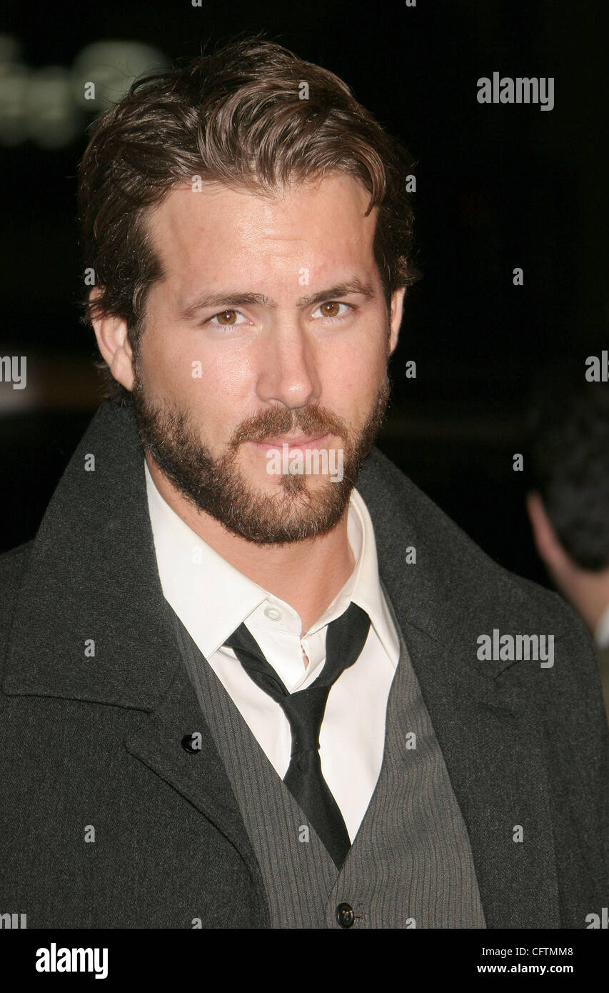 Jan 18, 2007; Hollywood, California, USA;  Actor RYAN REYNOLDS   at the 'Smokin Aces' World Premeire held - Stock Image