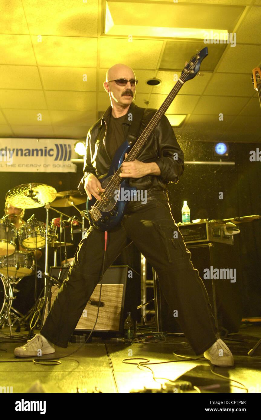 Jan 19, 2007 - Anaheim, CA, USA - Musician TONY LEVIN