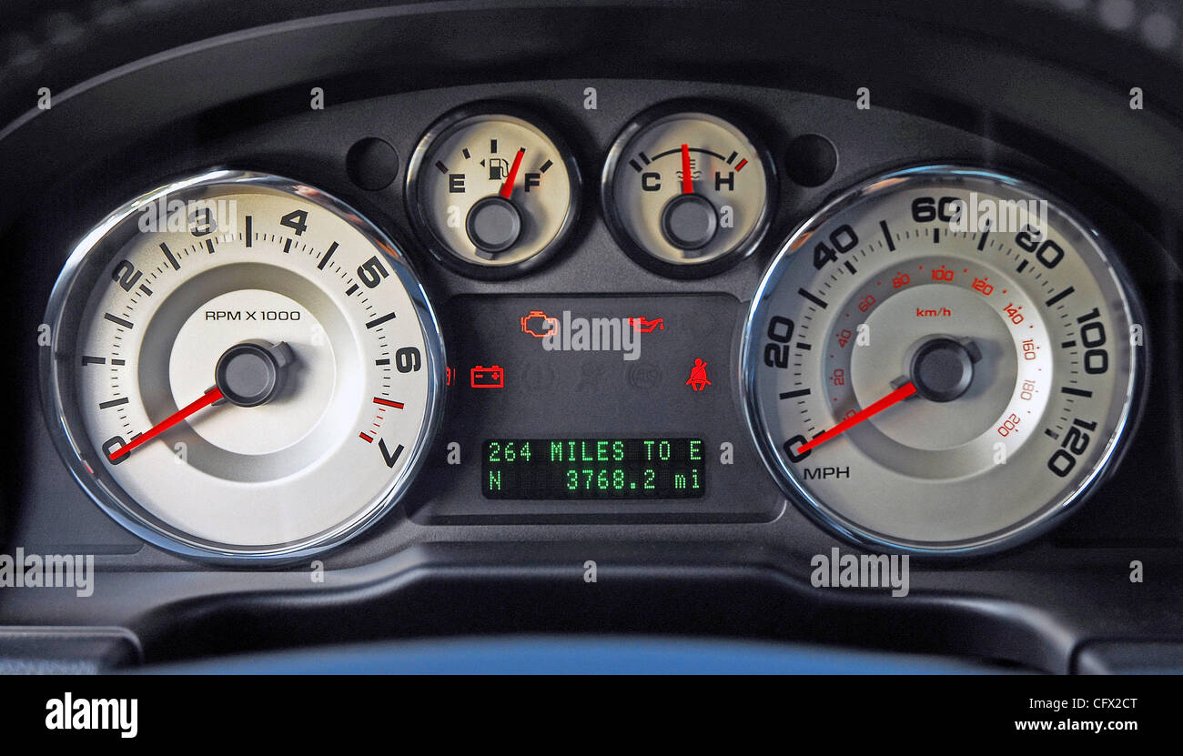 Instrument Cluster 2007 Ford Edge SEL AWD Stock Photo: 44213256 - Alamy
