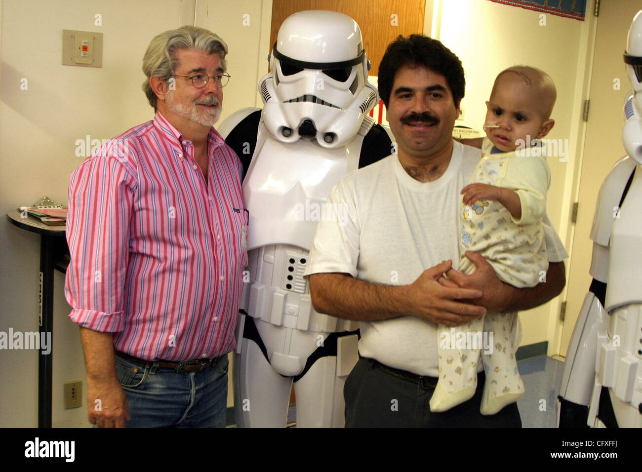 Apr 12 2007 Long Beach California Usa George Lucas And Two Star Stock Photo 44223526 Alamy