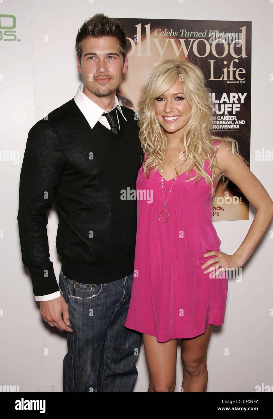 Nick Zano dating Kristin Cavallari som er Leah dating nå