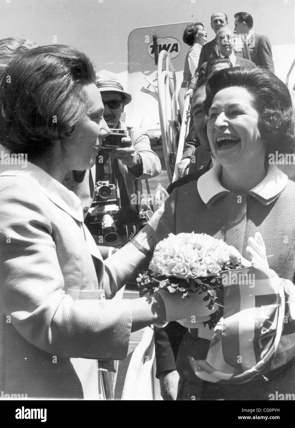 San Antonio Express-News file photo of Mrs Nellie Connally welcomes