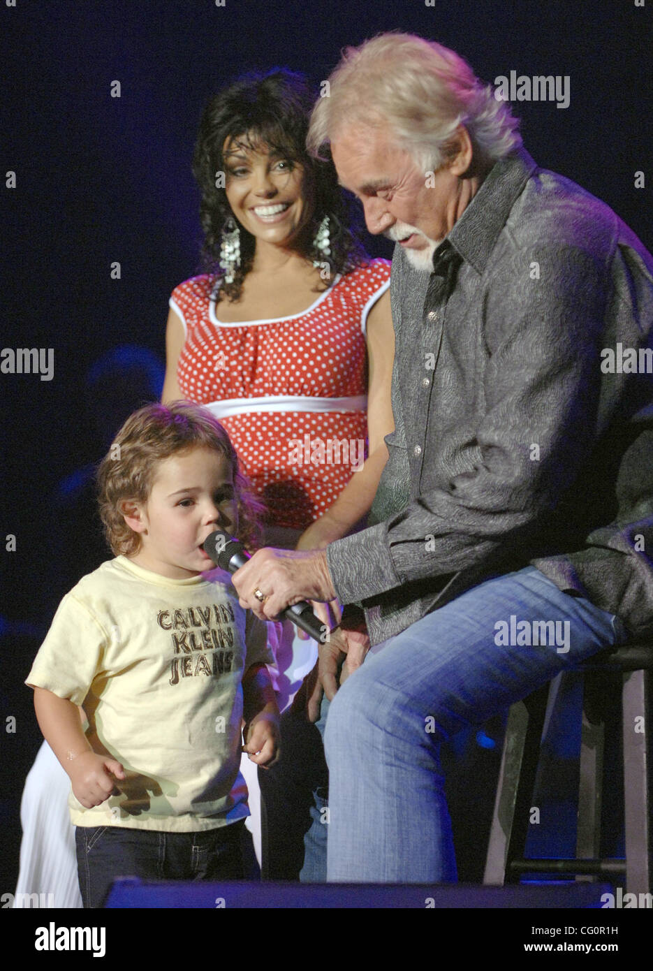Kenny Rogers And Wanda High Resolution Stock Photography And Images Alamy