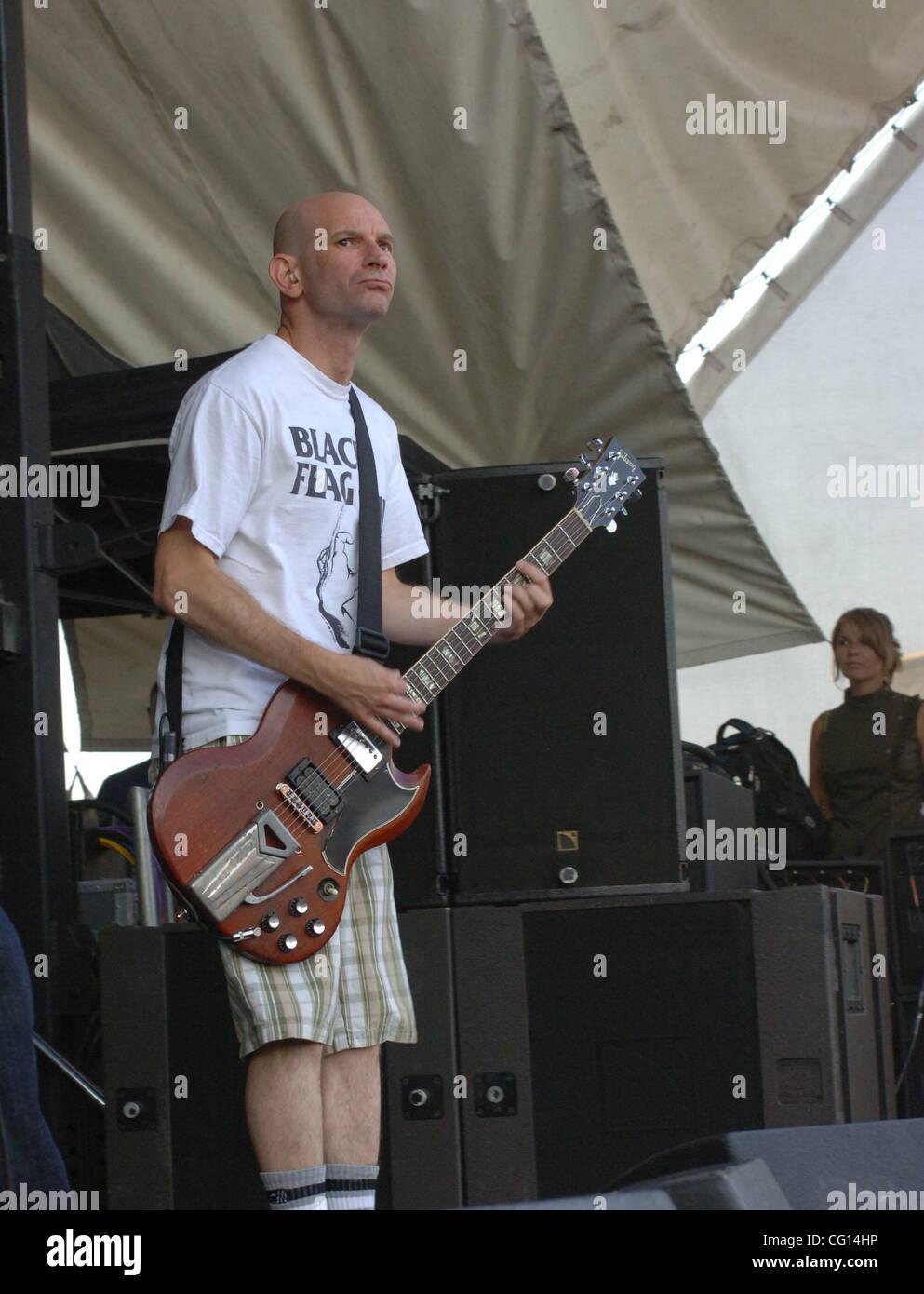 Jul 24, 2007 - Virginia Beach, VA, USA - The Vans Warped Tour on its 13th year brings BAD RELIGION to the Verizon - Stock Image