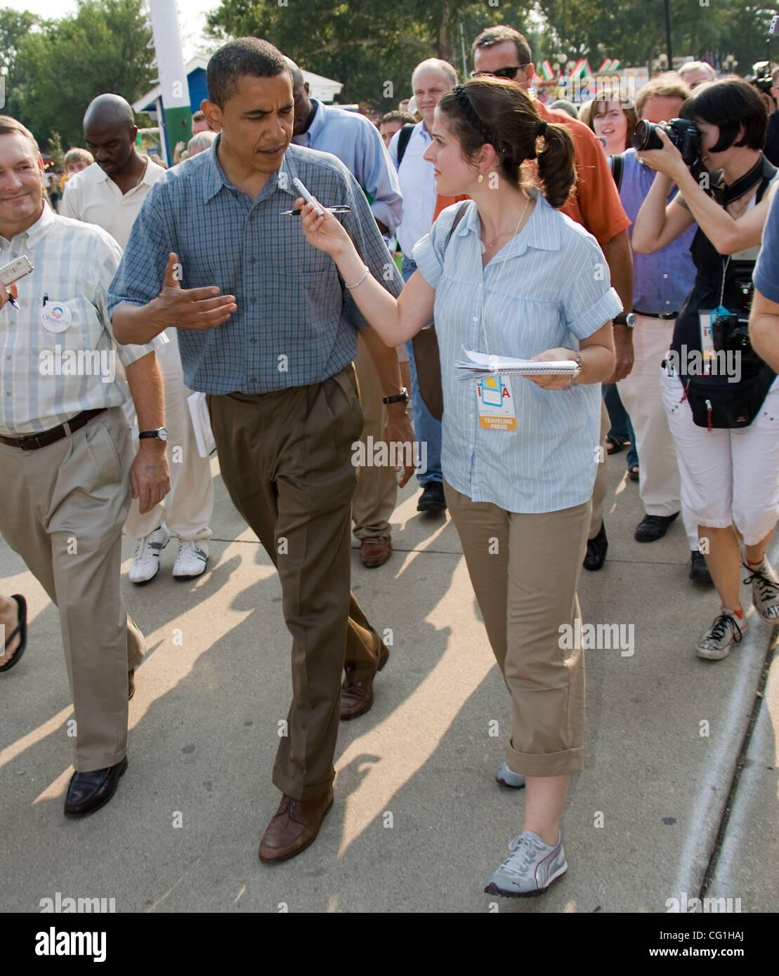 Aug 16, 2007 - Des Moines, IA, USA - Democratic presidential hopeful Senator BARACK OBAMA (D-Illinois) is interviewed - Stock Image