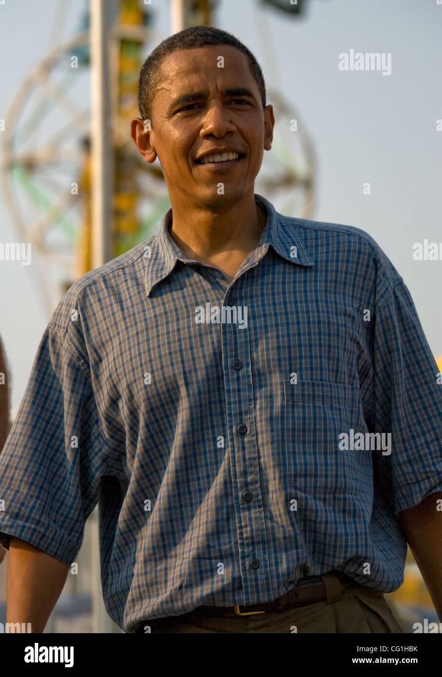 Aug 16, 2007 - Des Moines, IA, USA - Democratic presidential hopeful Senator BARACK OBAMA (D-Illinois) campaigns - Stock Image
