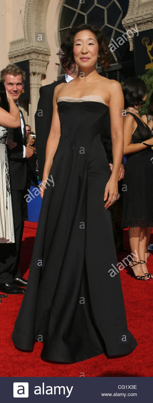 Sandra Oh arrives to the 59th Primetime Emmy Awards at the Shrine Auditorium on September 16, 2007 in Los Angeles, - Stock Image