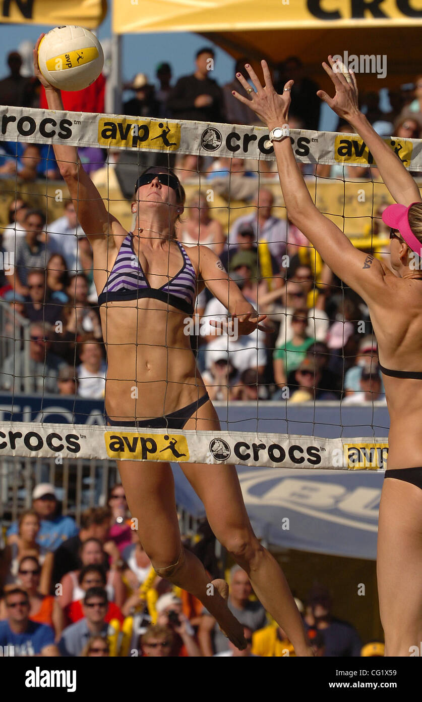 Nicole Branagh spikes the ball in the Women's Final match during the 2007 AVP Crocs Tour San Francisco Best - Stock Image