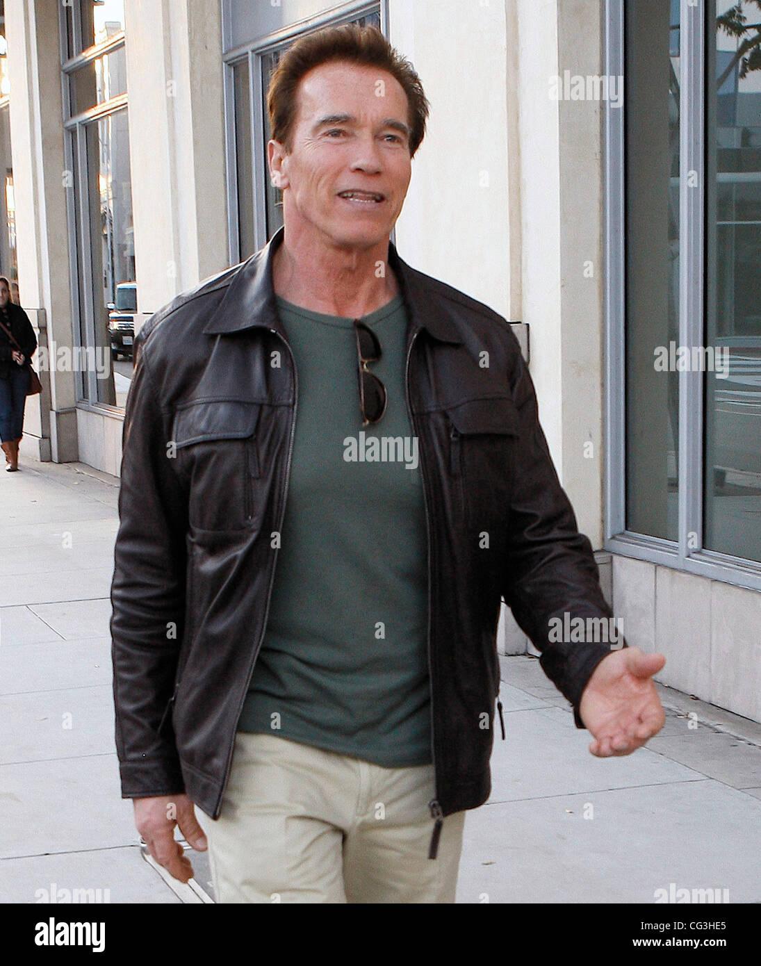 som er dating Arnold Schwarzenegger sønn dating jente med fyr venner