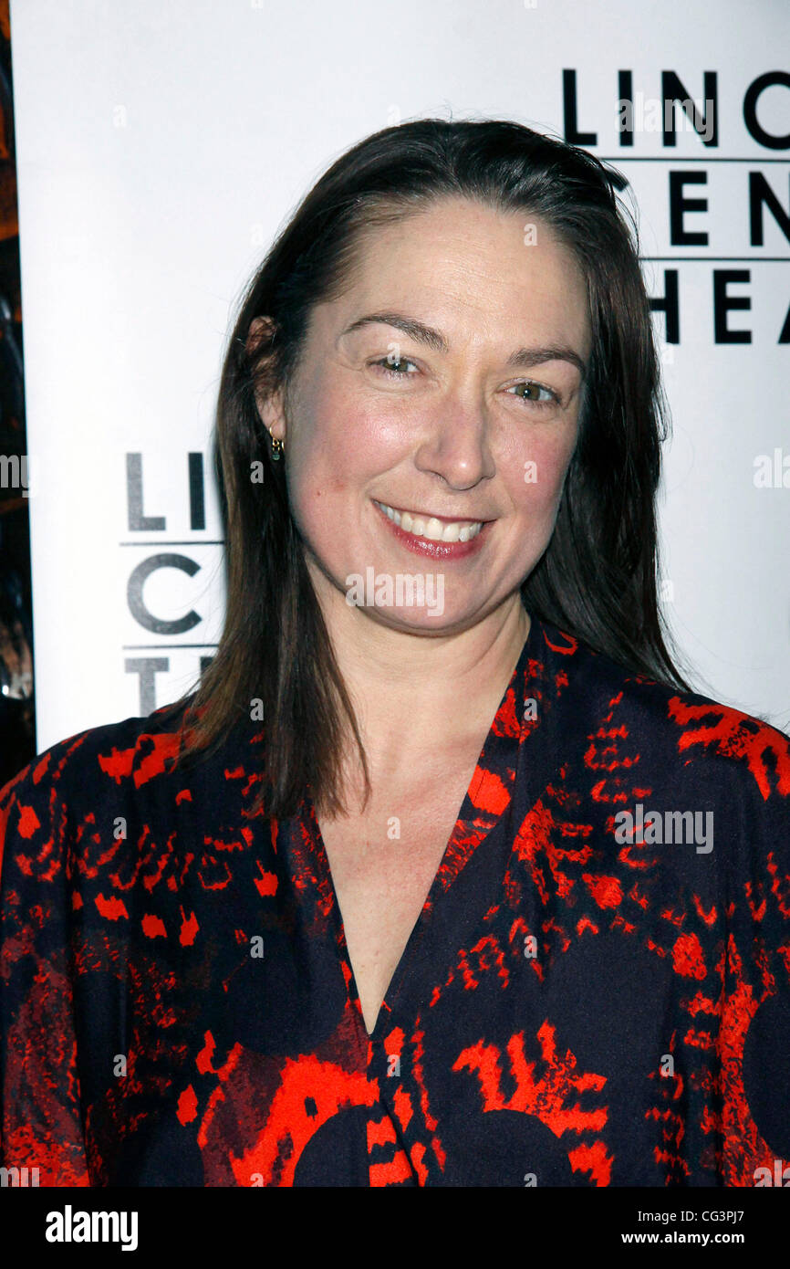 photo Elizabeth Marvel