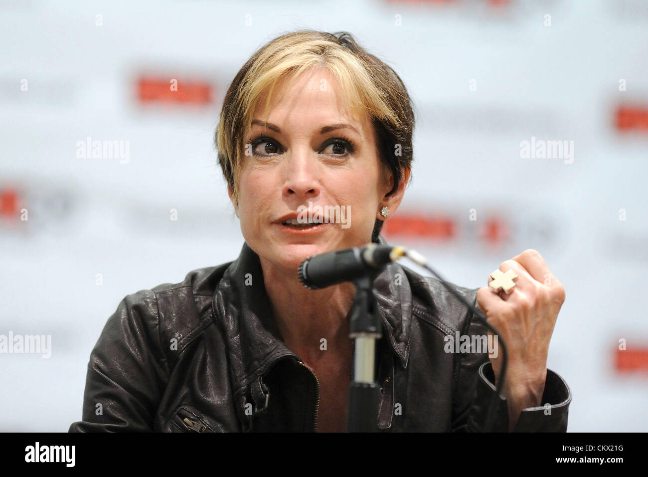 Celebrity Nana Visitor naked (36 foto and video), Pussy, Paparazzi, Feet, cleavage 2015