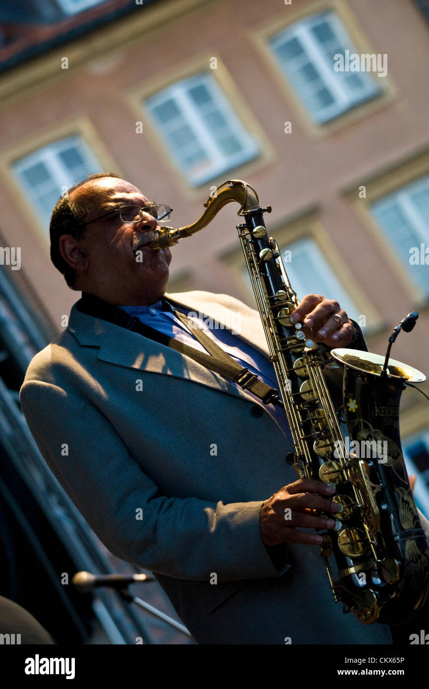 25th August 2012, Warsaw, Poland. Open-air performance by Ernie Watts. The show concluded the series of free jazz - Stock Image