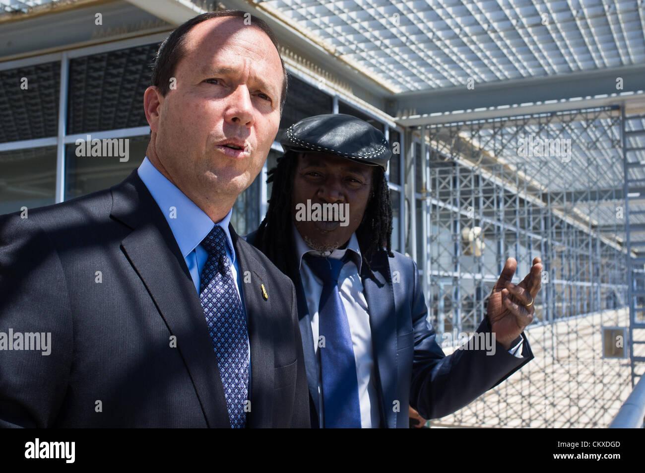 28th Aug 2012. Jerusalem, Israel. Jerusalem Mayor Nir Barkat takes reggae musician Alpha Blondy for a view of the - Stock Image