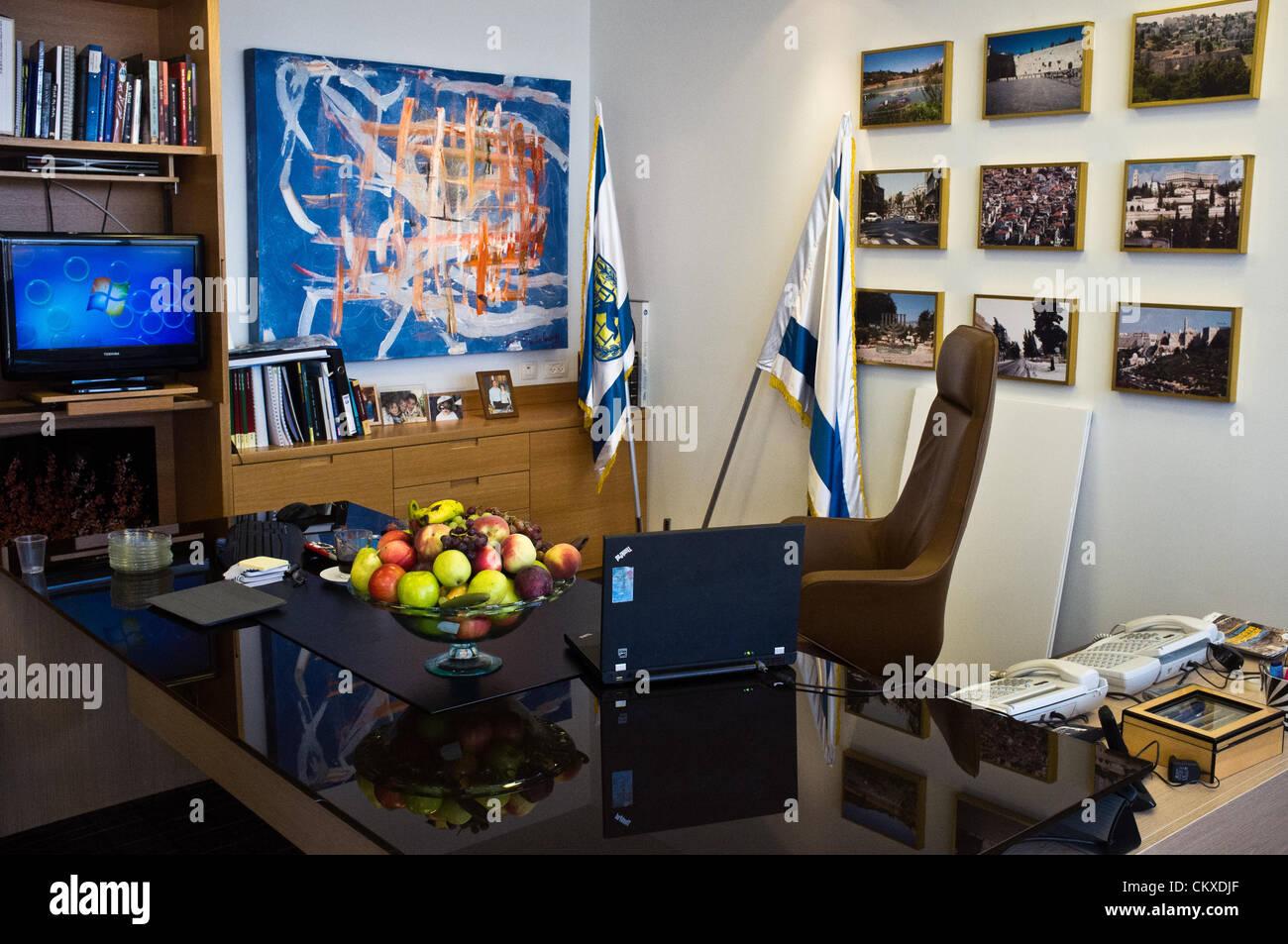 28th Aug 2012. Jerusalem, Israel. Jerusalem Mayor Nir Barkat's desk and office at City Hall.  Jerusalem Mayor Nir - Stock Image