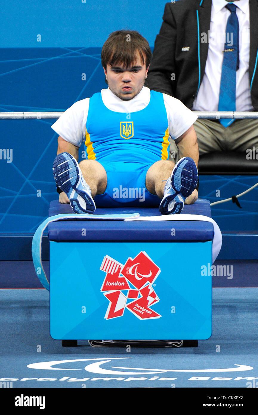 30.08.2012 Stratford, England. Anatolli Mykoliuk of Ukraine in action during the Men's -48Kg Powerlifting on - Stock Image