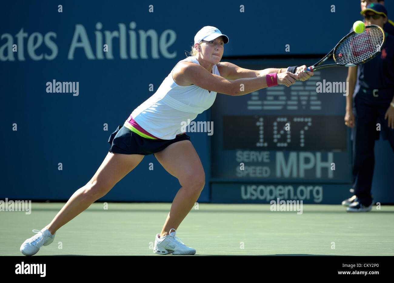 21.08.2012. Flushing Meadows, NY, USA.  Mallory Burdette from the United States (USA) was defeated by Russia's - Stock Image