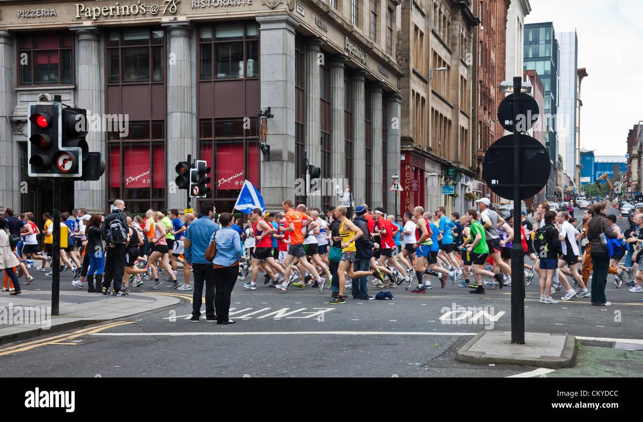 Glasgow, Scotland, UK 2nd September 2012.Participants in the Bank of Scotland Great Scottish Run 2012, a half-marathon - Stock Image